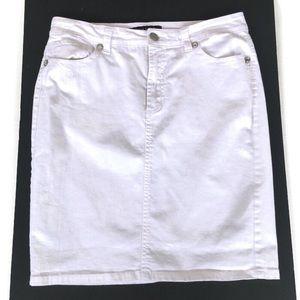 9681798f29 Nine West Jeans Skirt Size 10/30 White